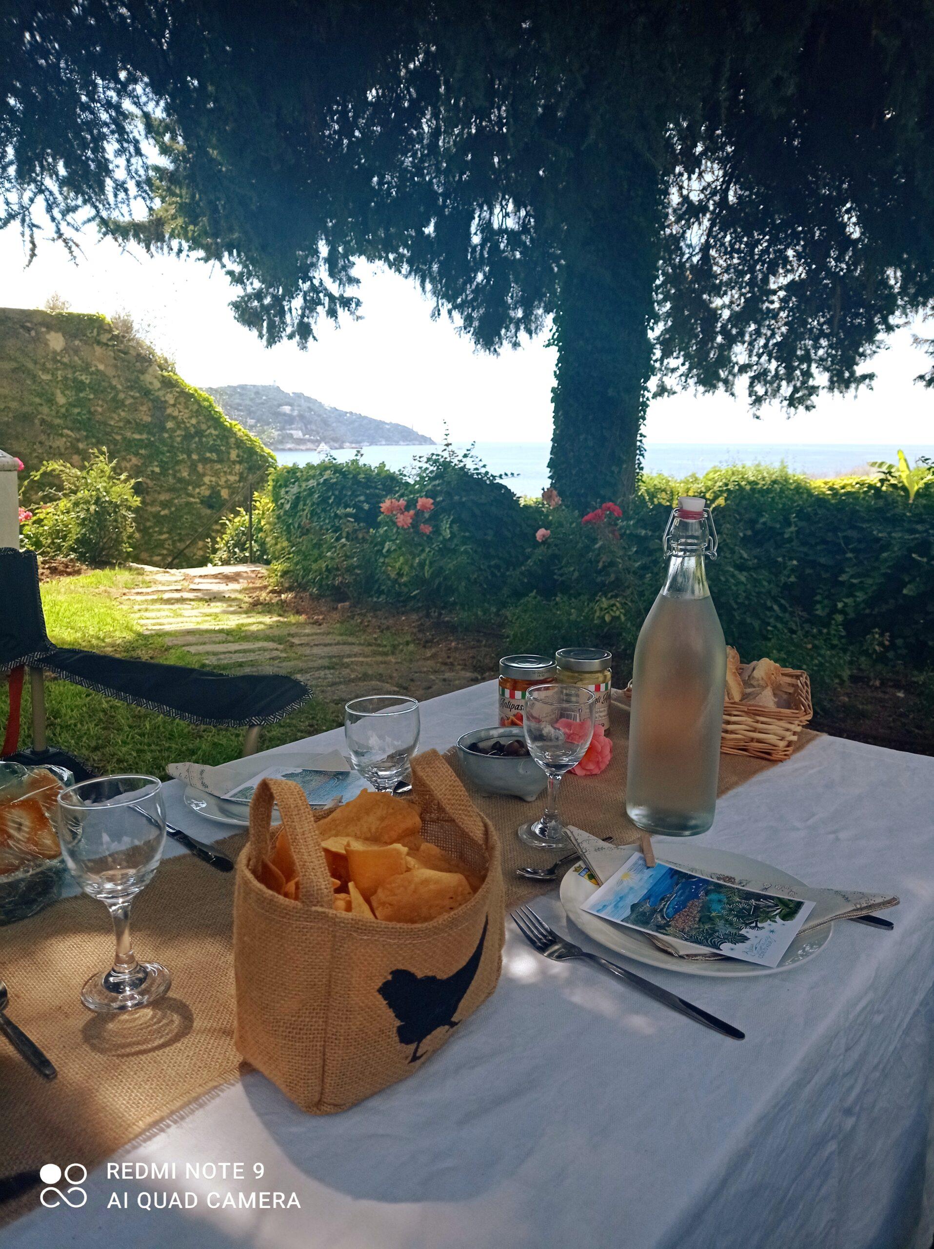 Pique-nique chic dans la citadelle de Villefranche-Sur-Mer